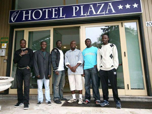 Hotel-per-migranti